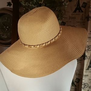 Straw hat with gold chain